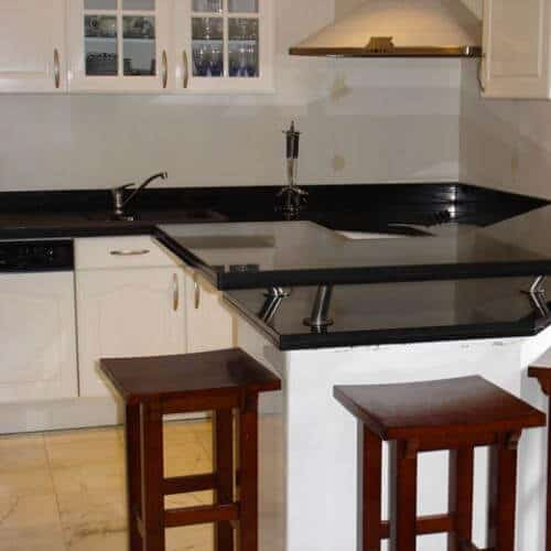 Kitchen granite worktops Bar et plan de travail zet black