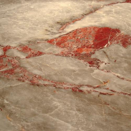 Marbre Suprême rouge