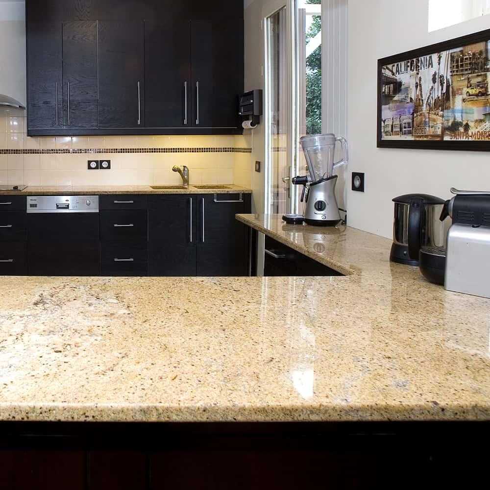 Plan de cuisine en granit Madurai gold dark