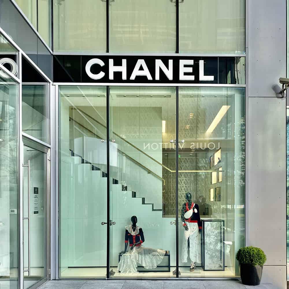55 boutiques CHANEL livrées à travers le Monde