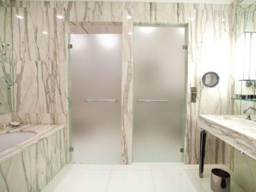 Bathroom Hotel Plaza Athénée