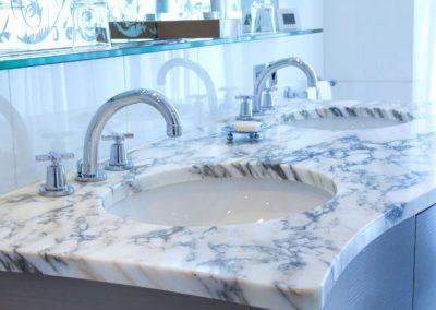 Bathroom 2 – Plaza Athénée Hotel